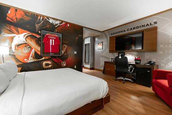 Cardinals-themed hotel room at Wild Horse Pass