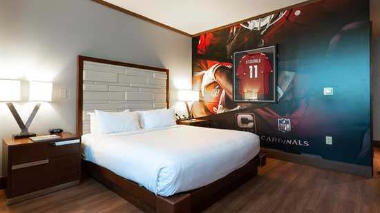 Cardinals-themed hotel room at Vee Quiva